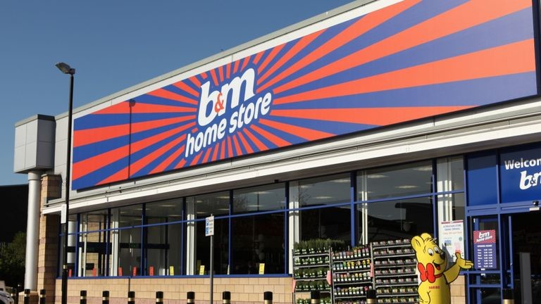 B&M has slashed the price of Yankee Candles to just 10p each, The Manc