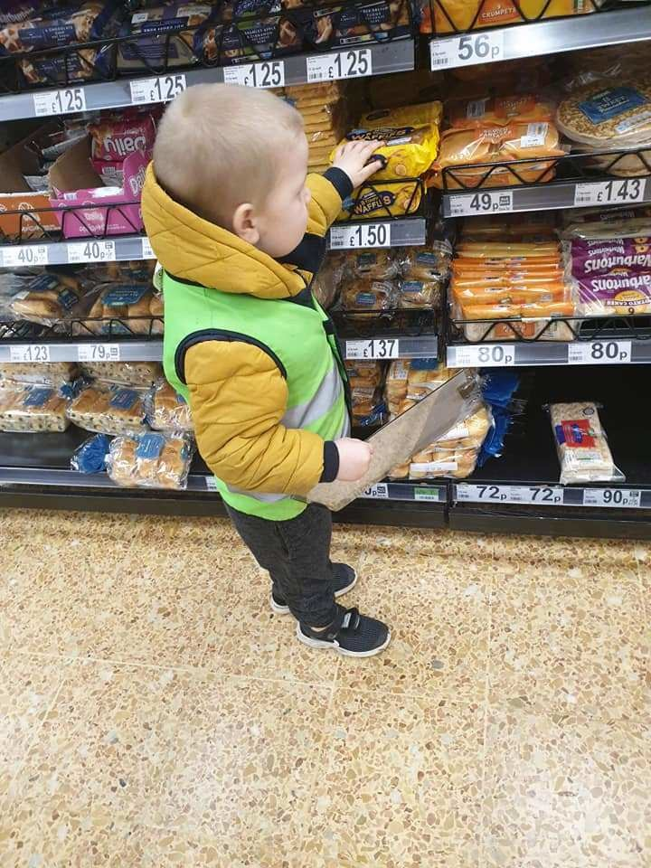 Mum makes son a 'shopping officer' to make him behave in supermarkets, The Manc