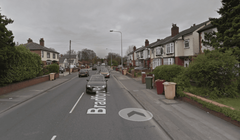 Suspected bomb shuts down major road in Farnworth, Bolton, The Manc