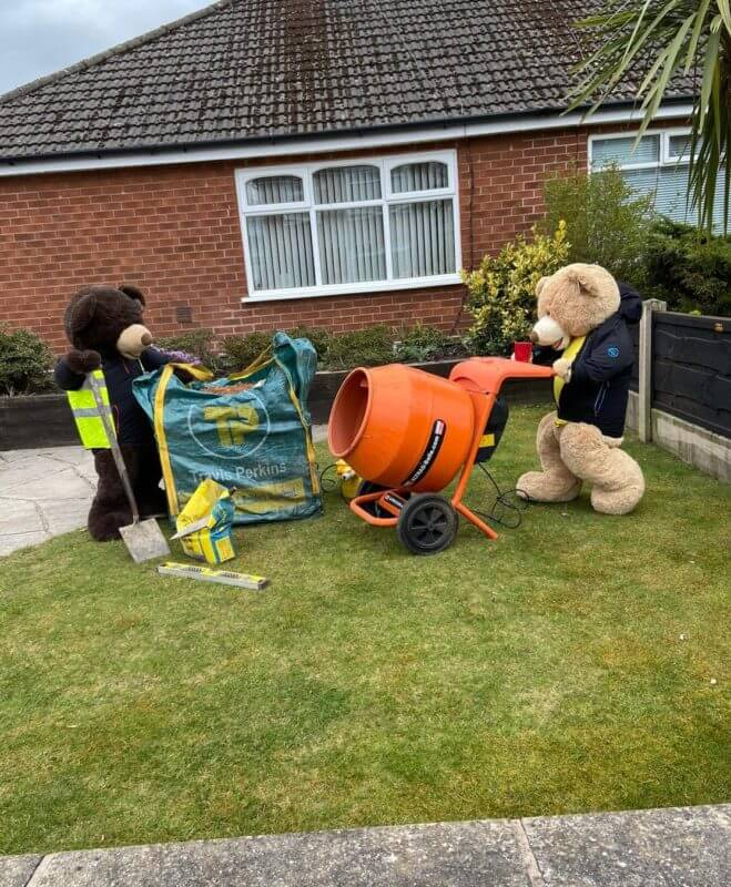 Two bears and a garden in Stockport go viral for all the right reasons, The Manc