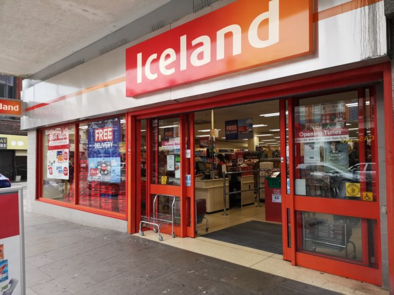 Iceland store opens an hour early for the elderly to do their shopping, The Manc