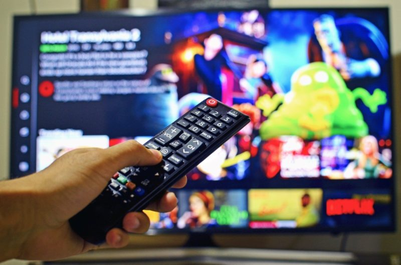 You can now get paid £300 watch Netflix in pyjamas, The Manc
