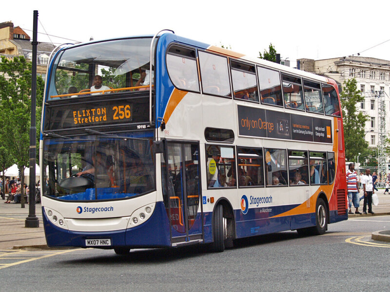 Stagecoach and public pay tribute to transport drivers braving the pandemic, The Manc