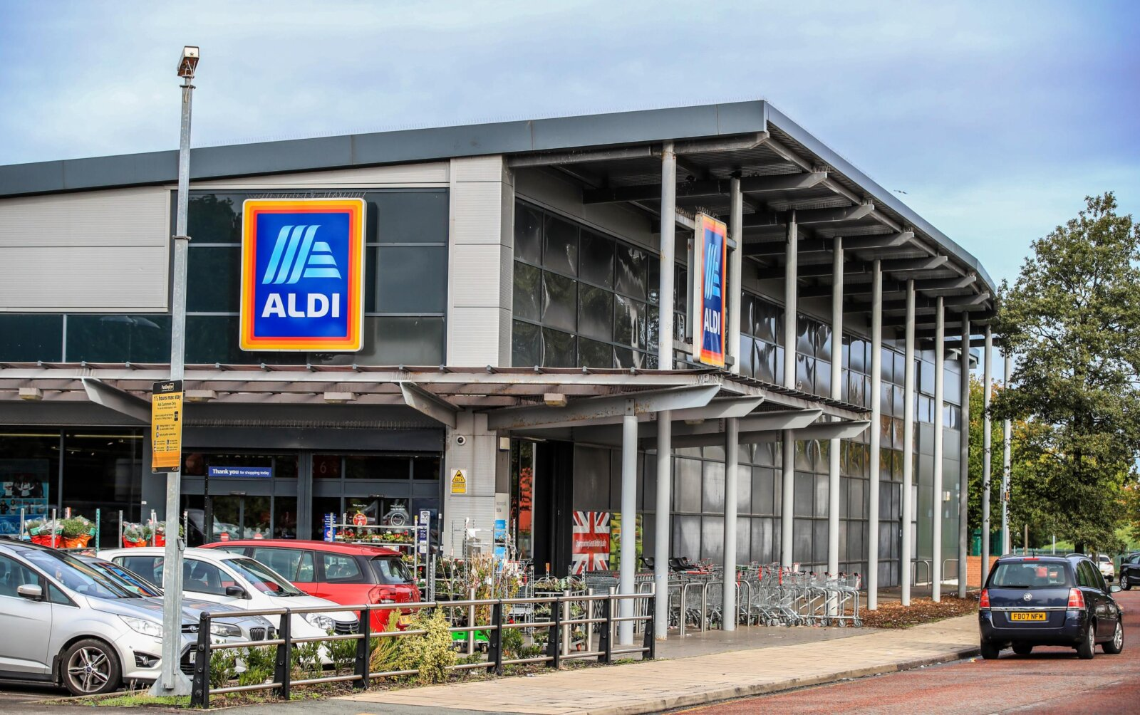 Aldi is currently hiring across Greater Manchester and you can earn over £10 an hour, The Manc