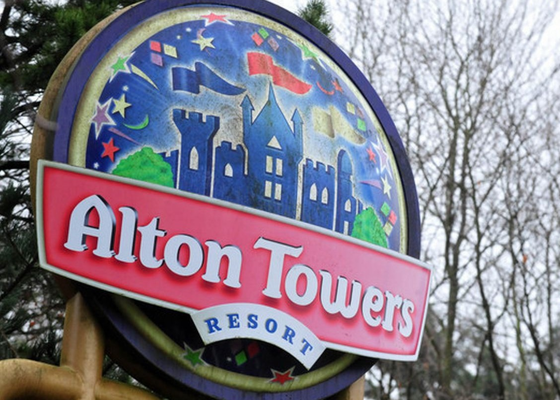 New Stockport to Alton Towers bus service launches this weekend, The Manc