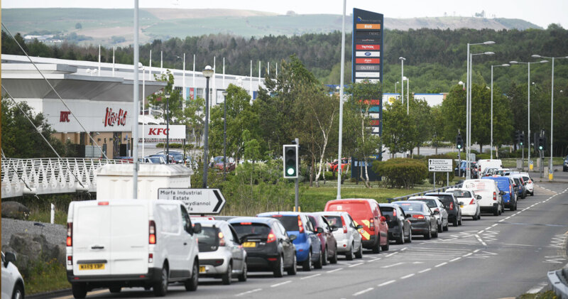 The gargantuan queues as KFC reopened all UK drive-thrus yesterday, The Manc