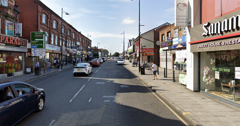 Man pulls gun on staff of takeaway on Stockport Road and threatens to 'kill them', The Manc