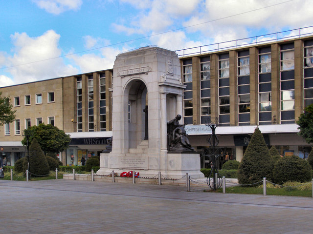 Two-metre steel fence to be built around Bolton cenotaph to protect against vandalism, The Manc