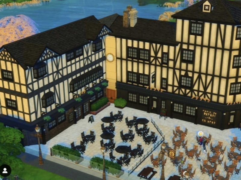 This woman is perfectly recreating Manchester in The Sims 4, The Manc