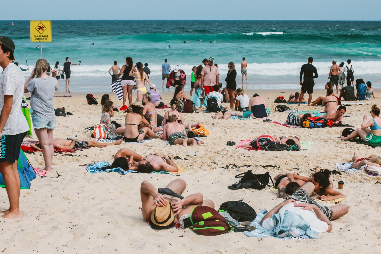 Beaches could be shut down if COVID-19 cases spike again, Health Minister warns, The Manc