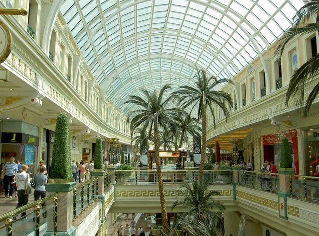 Trafford Centre sends 'urgent' message to shoppers heading there today, The Manc