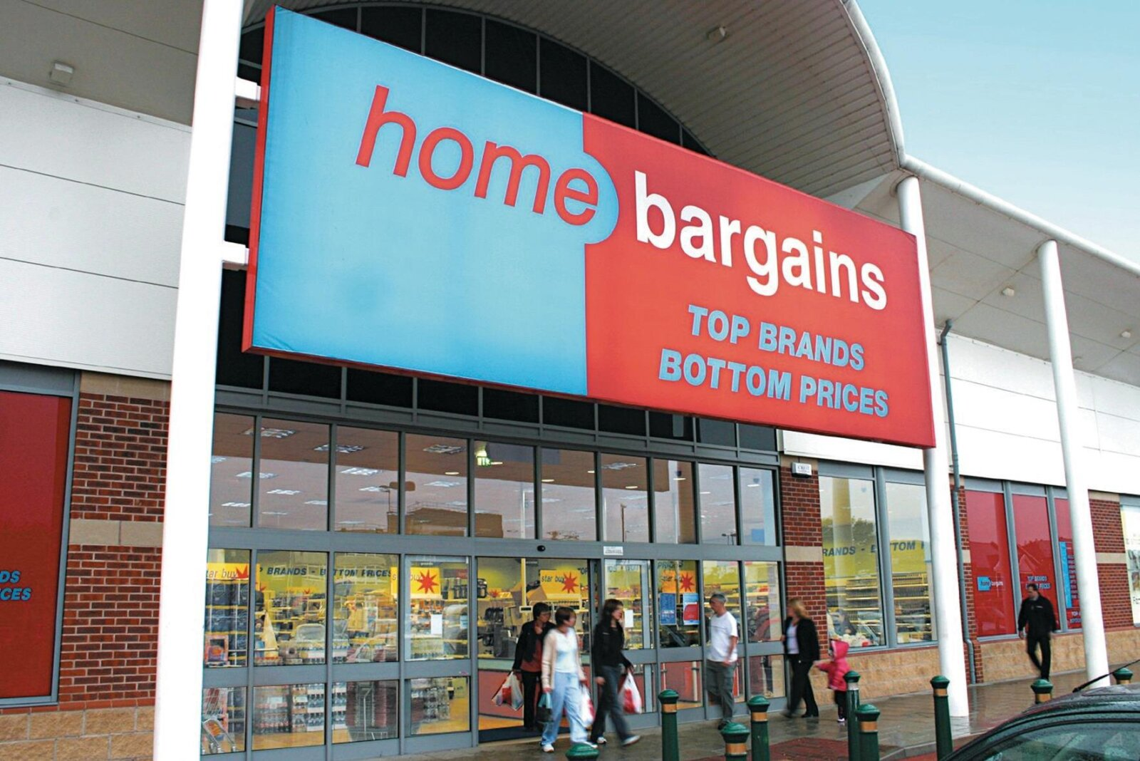 Home Bargains is giving out £100 vouchers for people to spend in store, The Manc