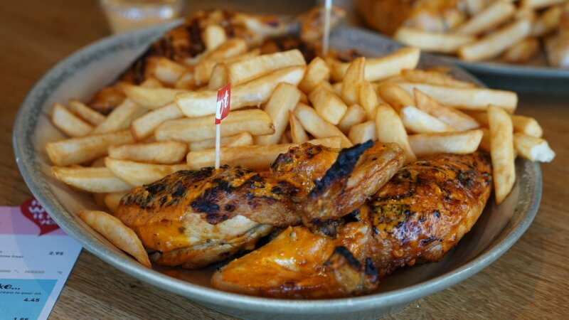Nando's, Maccies and other big restaurants slash prices from today as VAT temporarily falls to 5%, The Manc