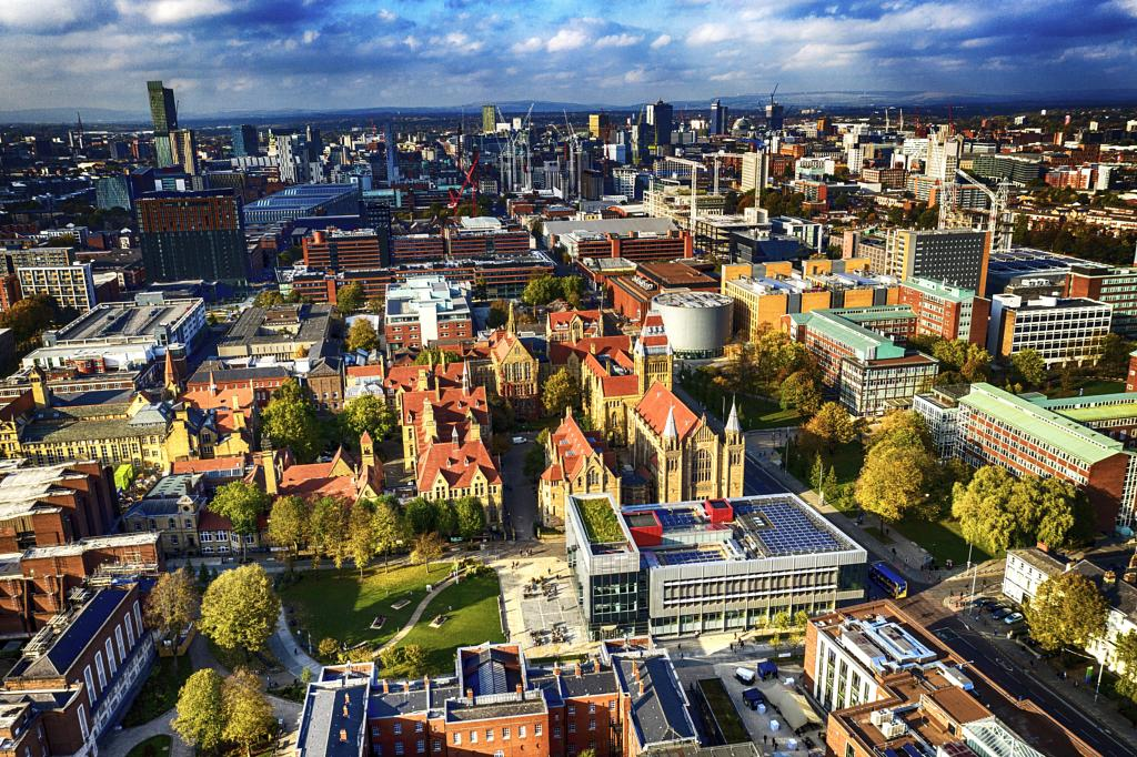 This 50-mile helicopter tour of Manchester will show you the city like never before, The Manc