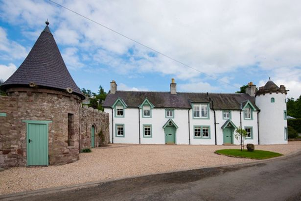 Couples can get paid £35k to live in the Scottish countryside, The Manc