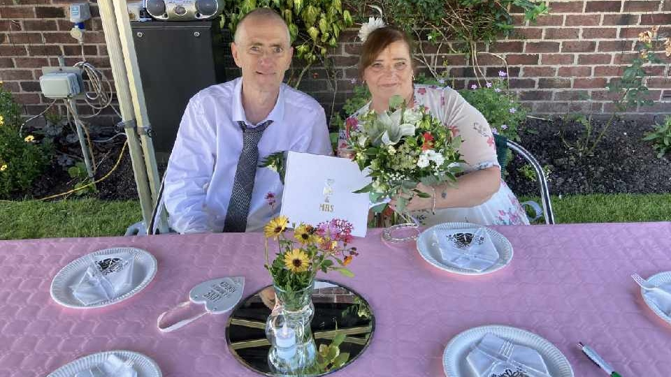 Chadderton couple finally tie the knot after hospice organises dream wedding, The Manc