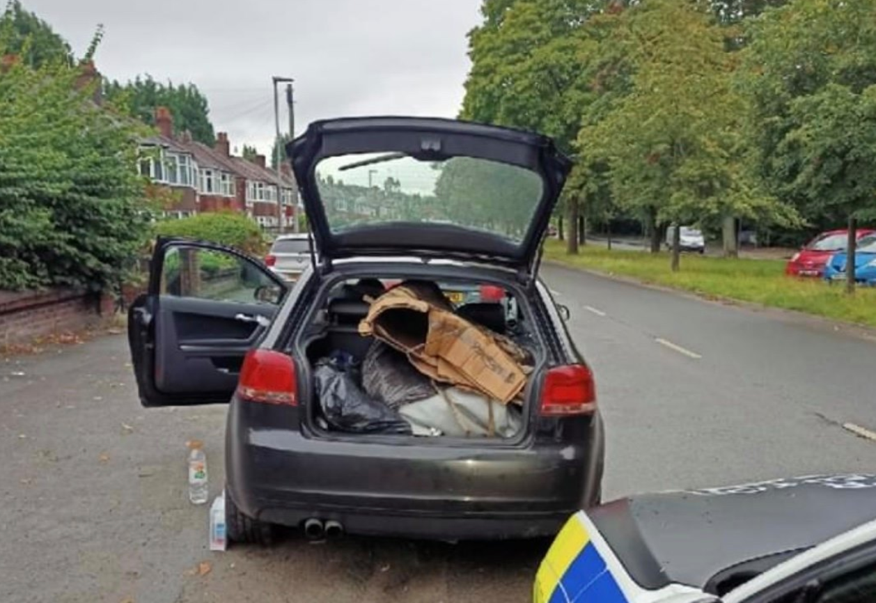 Police confiscate jacuzzi after stopping uninsured driver in Wythenshawe, The Manc