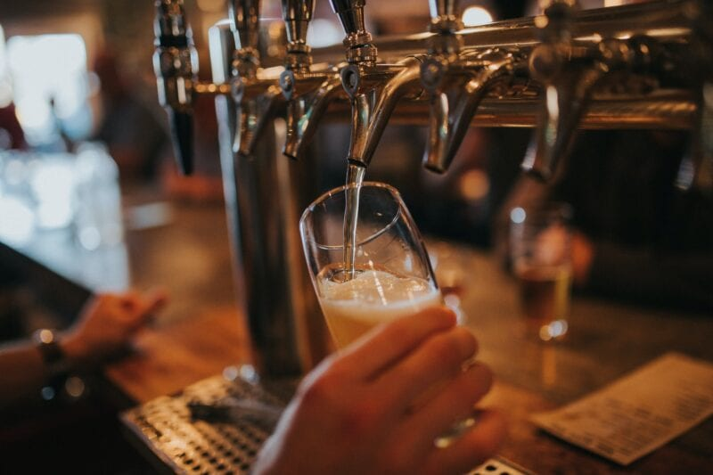 Glossop pubs ban Greater Manchester residents as region moves to Tier 3, The Manc