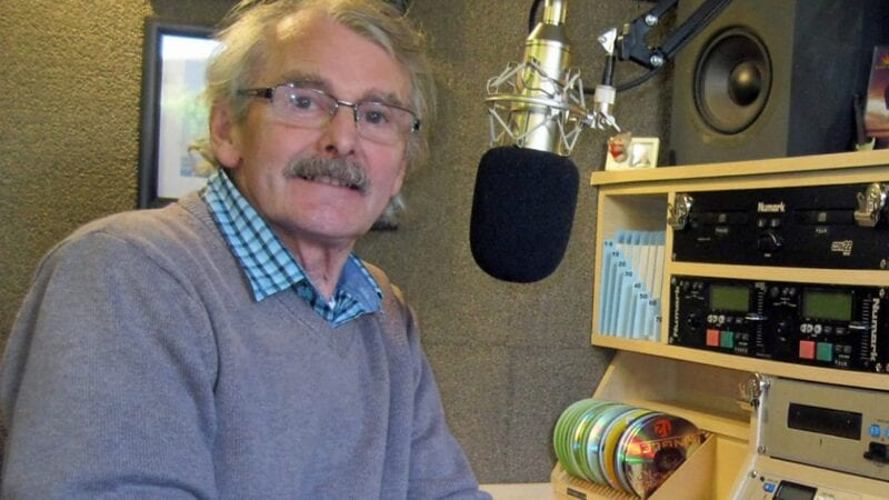 75-year-old DJ – who played for one listener from his garden shed – is signed by US radio station, The Manc