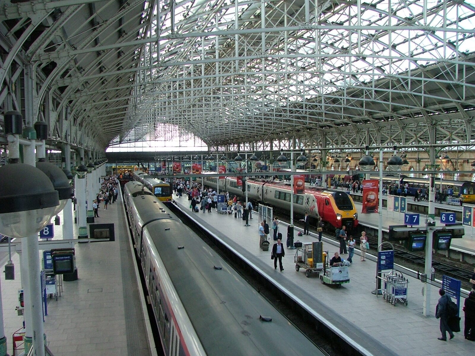53 staff members at Manchester Piccadilly in self-isolation following COVID-19 outbreak, The Manc
