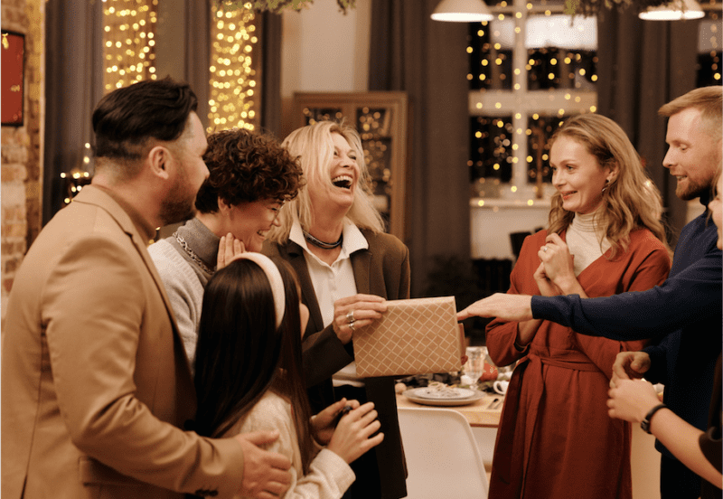 The Christmas gathering rules during COVID have been published: Here's what you need to know, The Manc