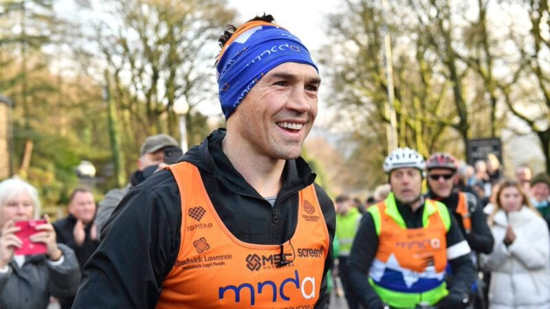 Ex-rugby captain from Oldham raises over £1.9m for MND research by running seven marathons in seven days, The Manc