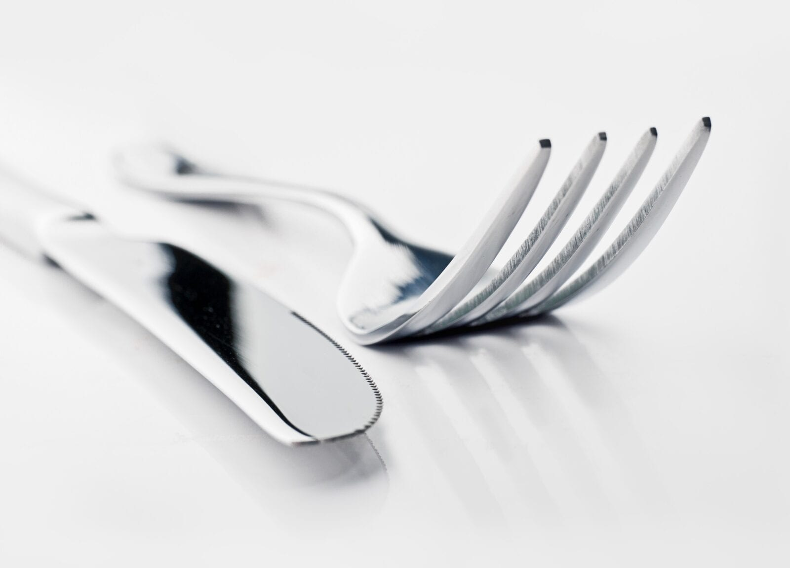 Cutlery etiquette debate sparked after woman admits she holds her knife in her left hand, The Manc