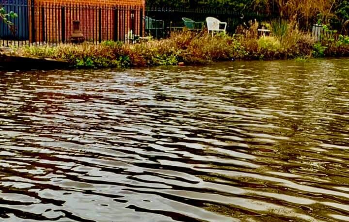 Facebook users are laughing hard at this photo of Ashton Canal, The Manc