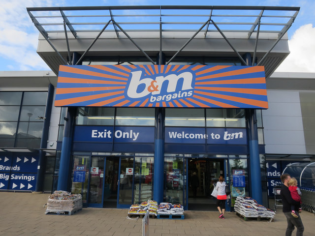B&M Bargains give 30,000 staff an extra week's wages as a 'thank you' for hard work during the pandemic, The Manc