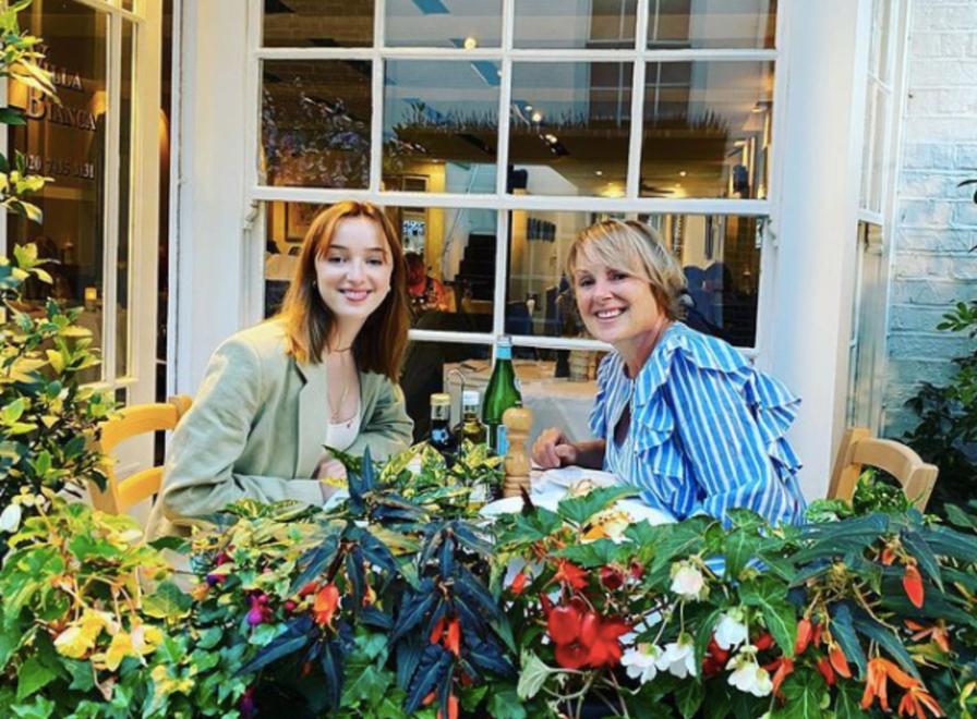 Did you know Bridgerton star Phoebe Dynevor has a famous Manc mum?, The Manc