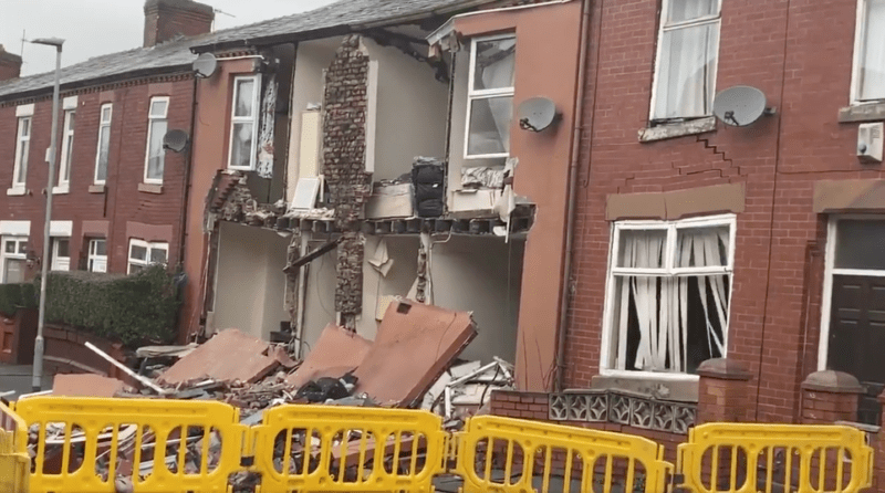 House fronts begin collapsing in Abbey Hey as sinkhole situation worsens, The Manc