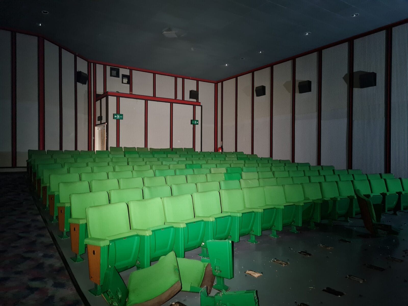 These eerie photos show Manchester's iconic Showcase Cinema looking very different nowadays, The Manc
