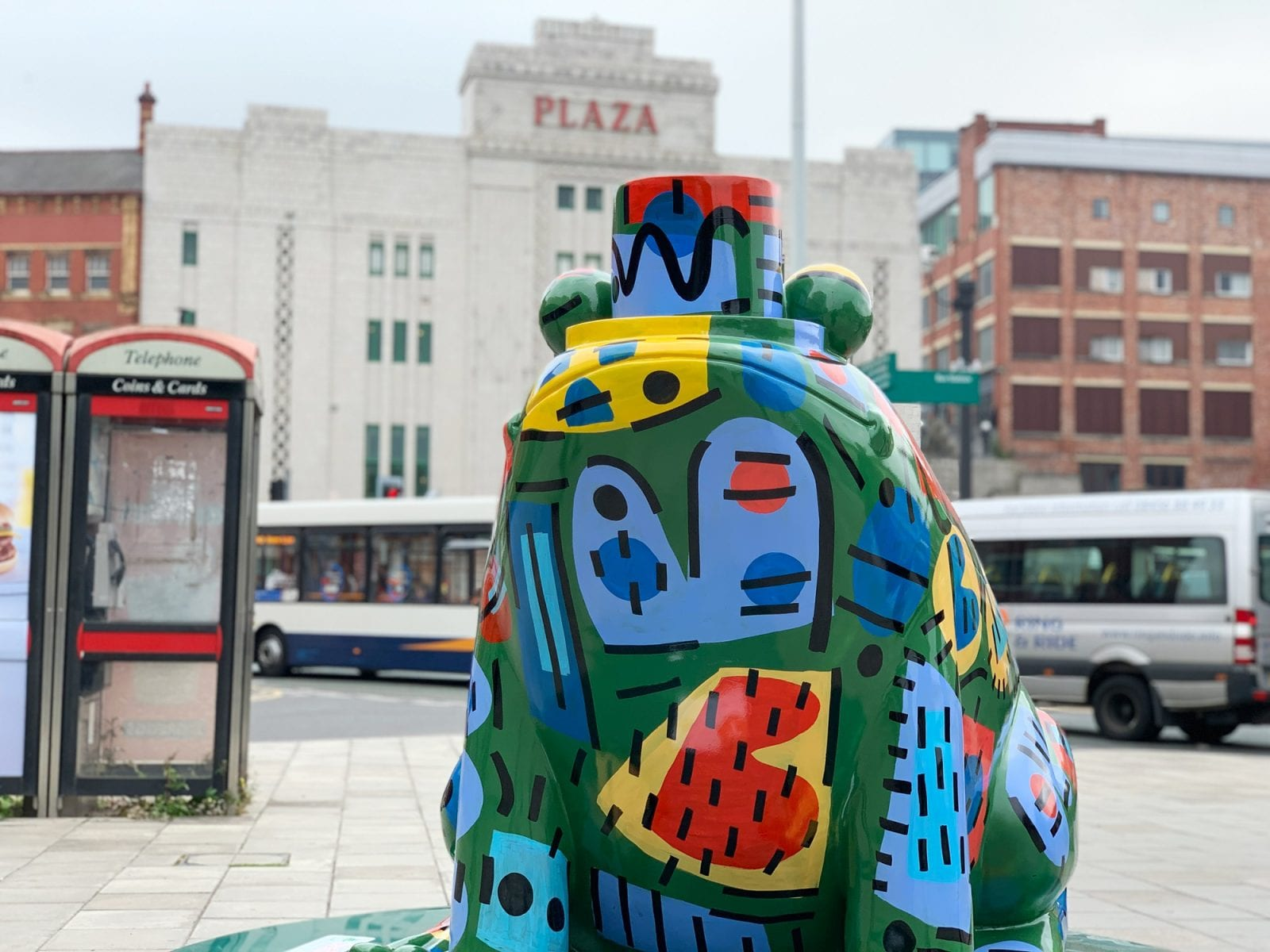 The giant colourful frogs are returning to Stockport town centre this summer, The Manc