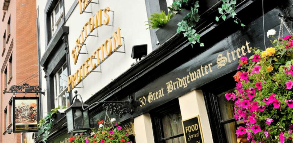 The top 10 Manchester pubs to meet singles this summer have been revealed, The Manc