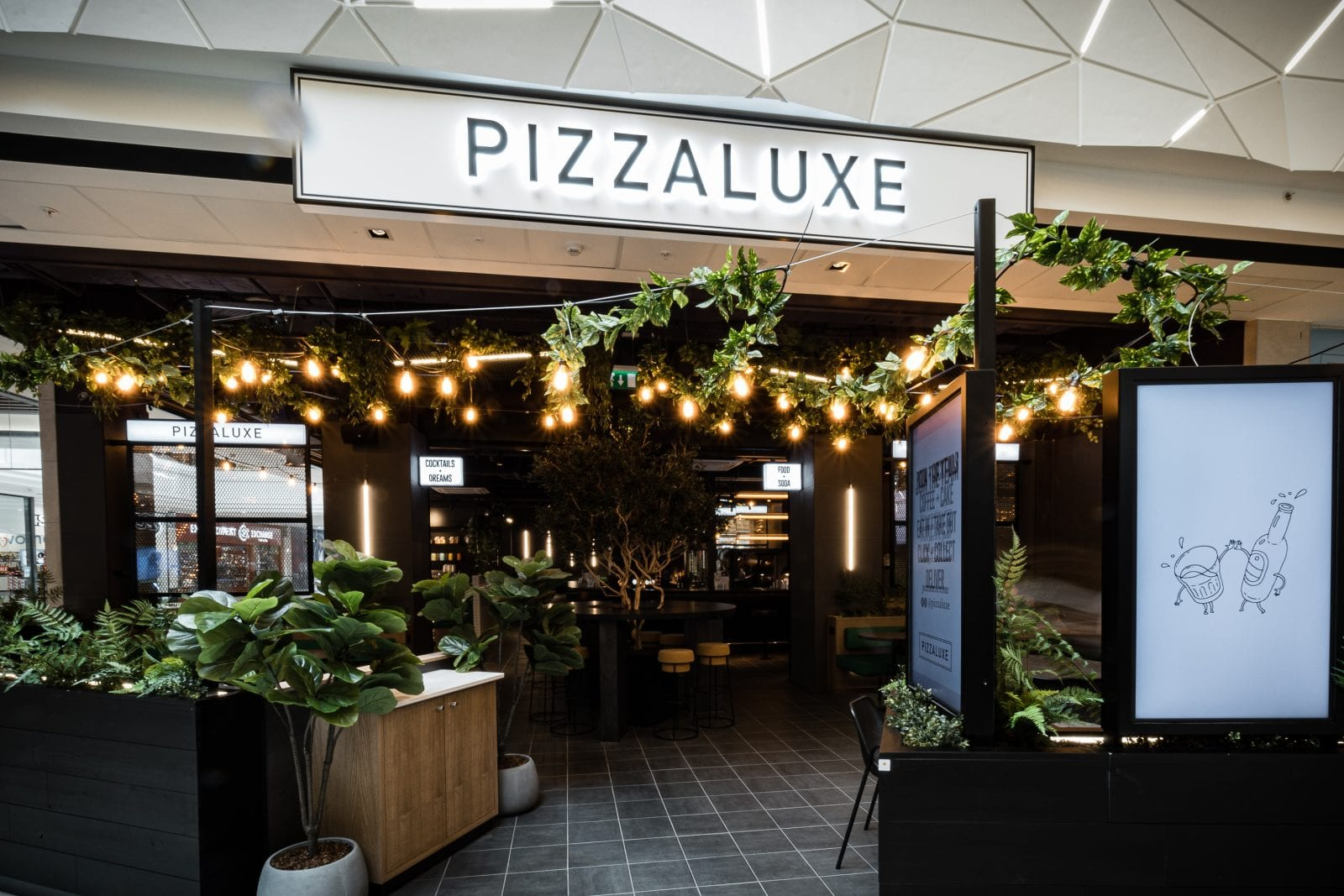A new gourmet pizza and cocktail bar is opening in Manchester Arndale this month, The Manc