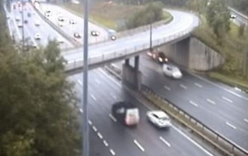 Police issue warning after reports of rocks and bricks being thrown at cars on M60, The Manc