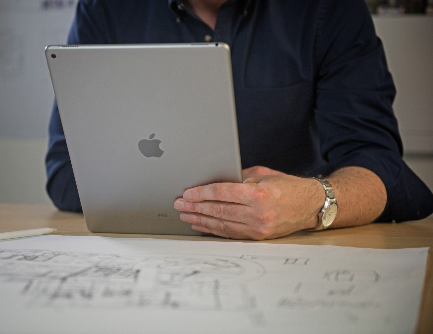 Manchester tech firm Sync launches 'Back to School' bundle deals on Apple products for university students, The Manc