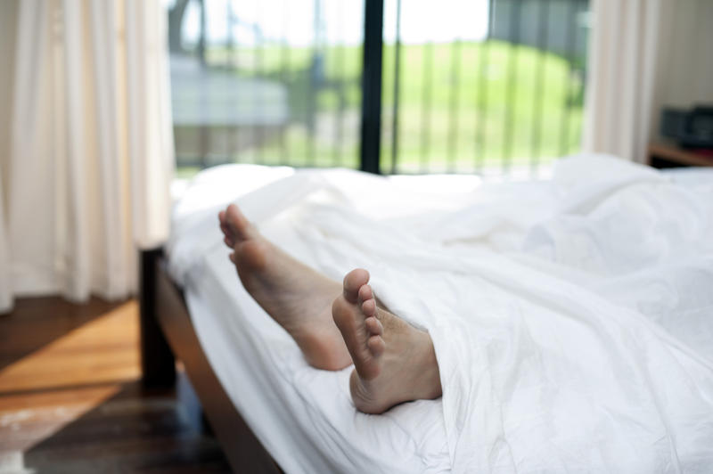 This doctor claims you should never sleep naked and it's divided opinion, The Manc