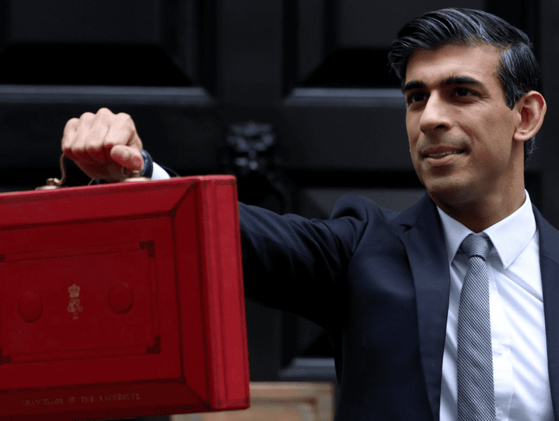 Universal Credit 'taper rate' cut by 8% to give claimants an extra £1,000 a year, The Manc